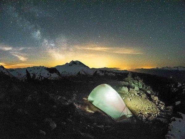 camping-under-stars