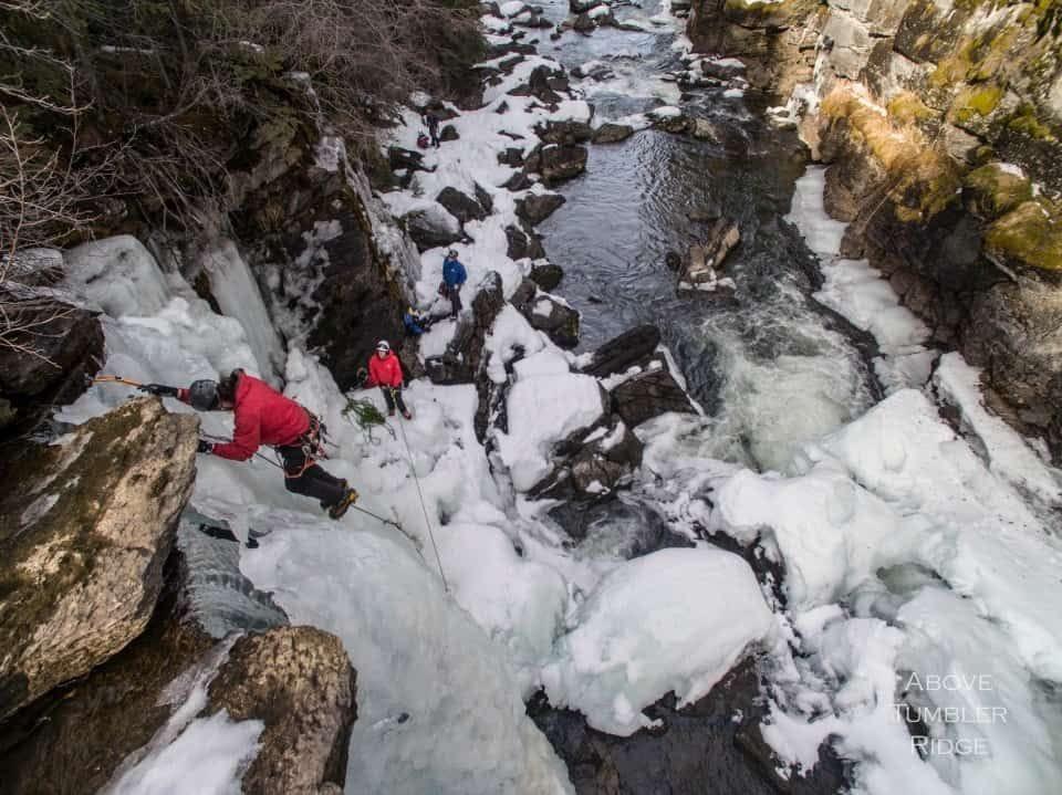 . Première tentative de l'escalade des Monkman Cascades, Colombie-Britannique