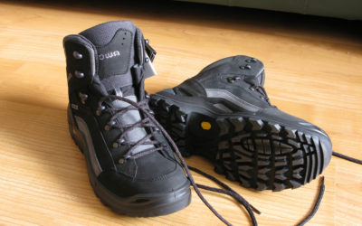 Lowa. Lowa Renegade GTX Mid Review.
