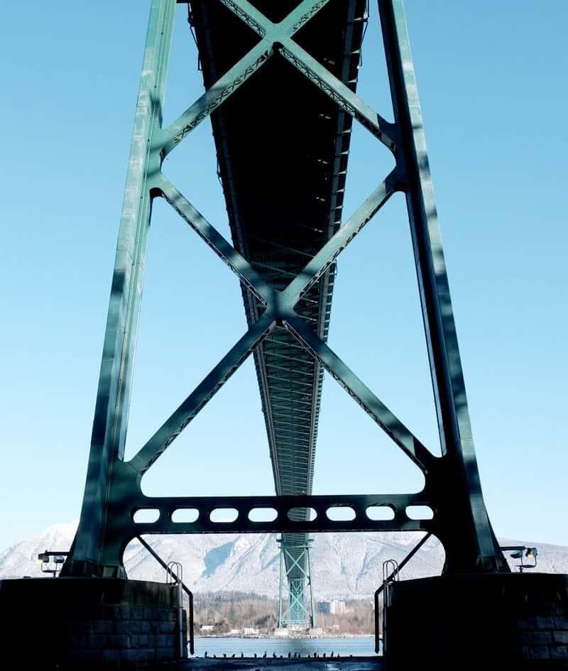 bridge-lions-vancouver-architecture-photography-1