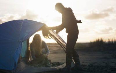 Big Agnes, Black Diamond, Burton, Marmot, Mountain Hardwear, MSR, NEMO Equipment, Poler Stuff, The North Face, Therm-a-Rest. Comment choisir sa tente de camping.