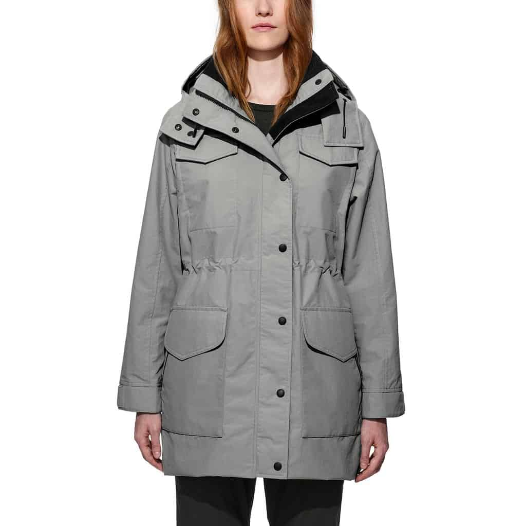 With the Canada Goose Portage Jacket, you'll find the comfort and protection of a parka in a model that's adapted to the milder conditions of transition ...