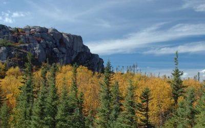 randonnée, voyage. 5 randonnées au Québec pour admirer les couleurs de l'automne.
