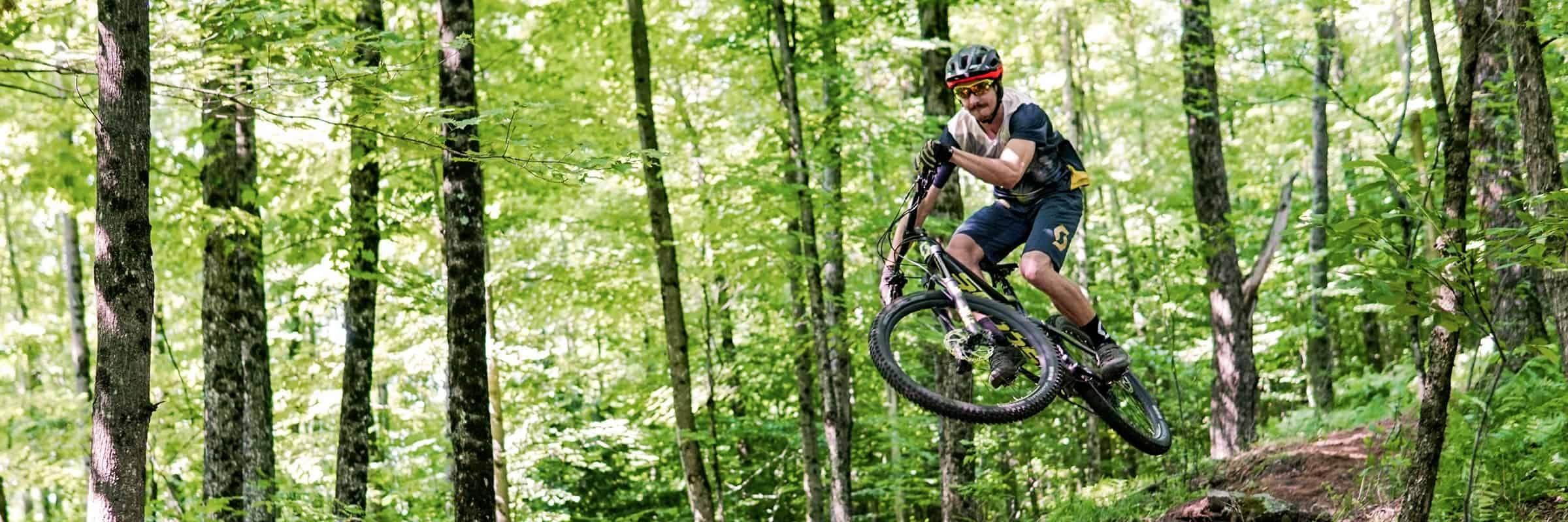 Revue du maillot Trail Flow pro et du short Trail Vertic par Scott