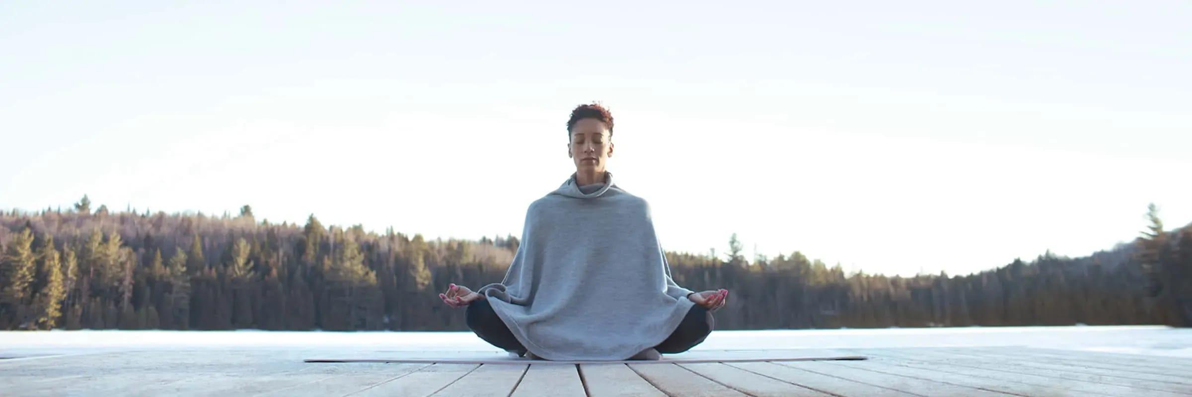 Comment pratiquer le yoga à la maison
