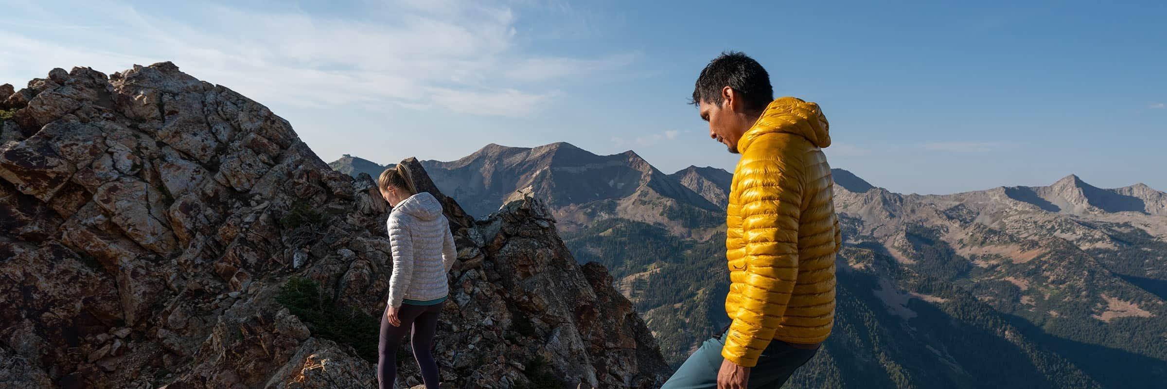 Revue du manteau Ghost Whisperer/2: le meilleur manteau léger en duvet pour la randonnée