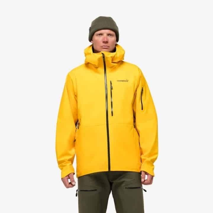 Men wearing Norrona Lofoten Gore-Tex Gore-Tex