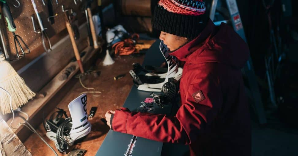 How to set up snowboard bindings